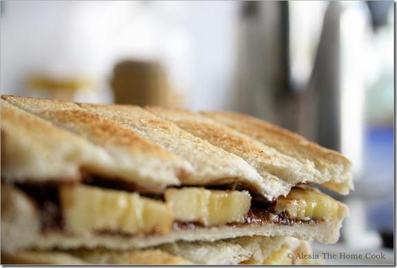 Banana & Choco Toasties2