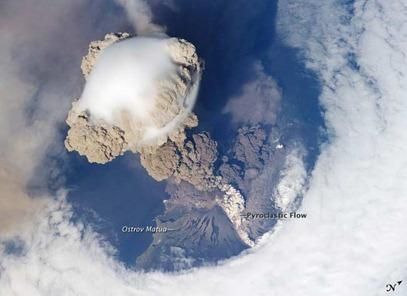 Volcano_FR_042110_2