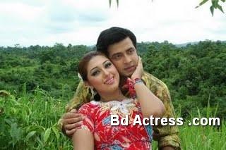 Bangladeshi Actress Apu Biswas-16