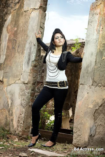 Bangladeshi Singer Mila-04