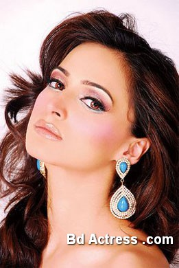 Pakistani Actress Noor Photo-02