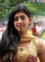 South Indian Actress Praneetha Thumbnail
