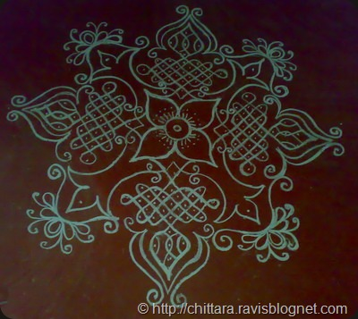 Rangoli on floor chittara rangoli pattern designs for for Floor rangoli design