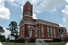 ashburn-ga-turner-county-first-united-methodist-church-gothic-vernacualr-romanesque-architecture-pictures-photo-copyright-brian-brown-vanishing-south-georgia-usa-2010
