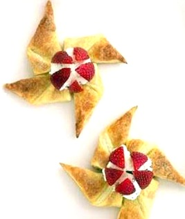 Strawberry-Ricotta-Pinwheels-Recipe_slideshow_image