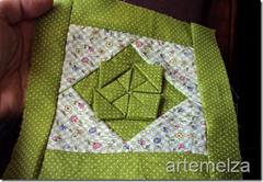 artemelza - flor feita com um quadrado
