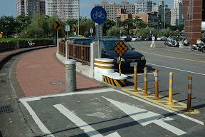 bikeway3-4慢車道分隔(台中市柳川東路)