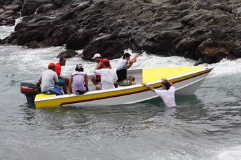 "Un bateau rapide ou ""speed-boat"""