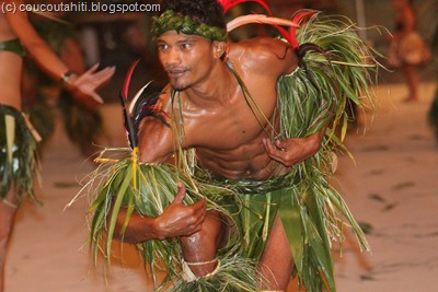 Kohutini dans un gracieux Hakapahaka.