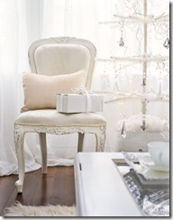 Feather-Tree-White-Chair-HTOURS1206-de