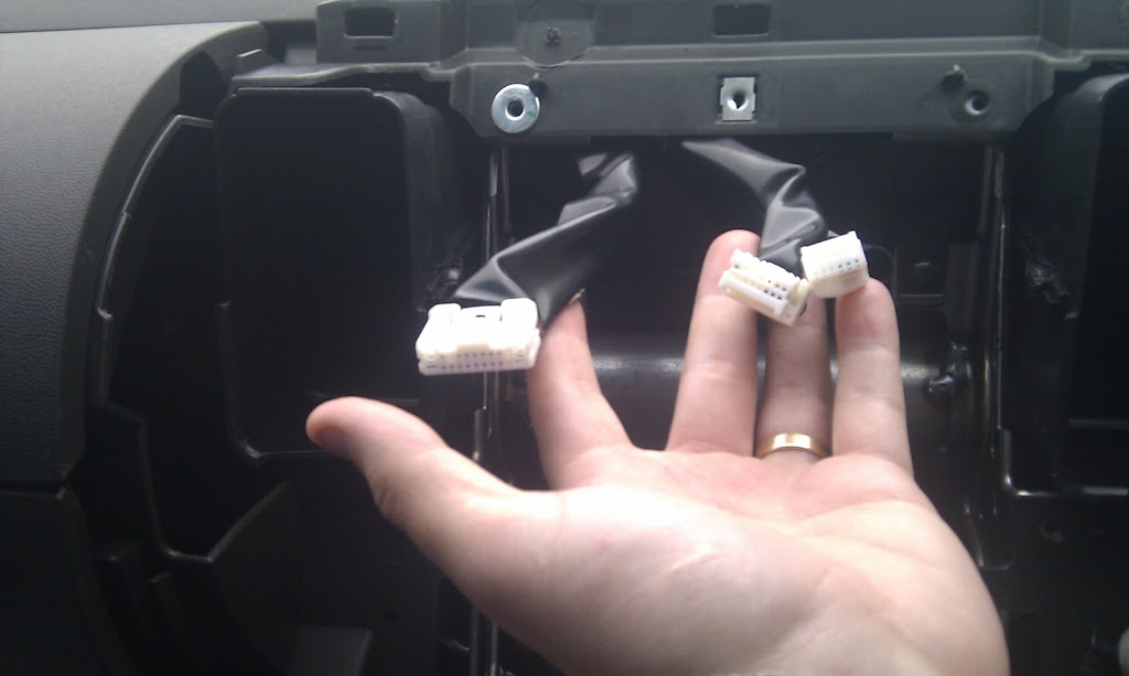 How to Remove the Dash in a 2010 ST-X [Archive] - The Navara ... Navara D Head Unit Wiring Diagram on