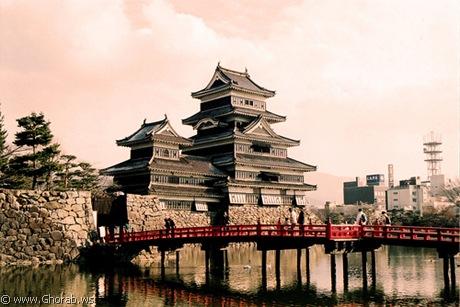 أجمل 42 قلعة حول العالم  Matsumoto_castle%5B13%5D
