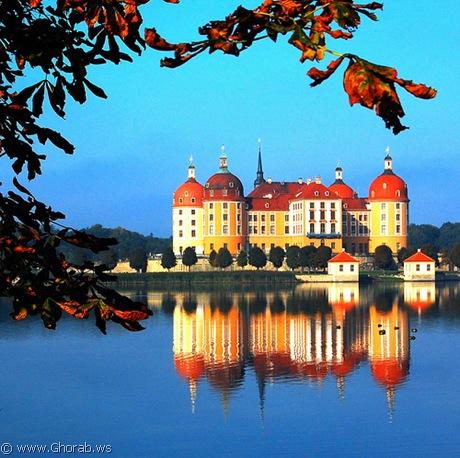 أجمل 42 قلعة حول العالم  Schloss_moritzburg%5B6%5D