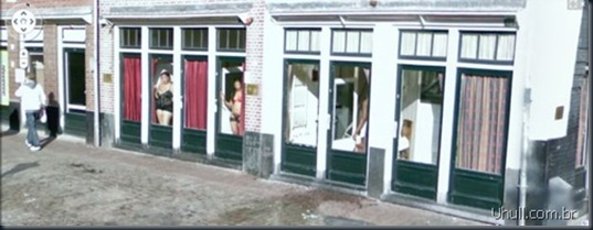 prostitutes_on_google_street_view_09_thumb