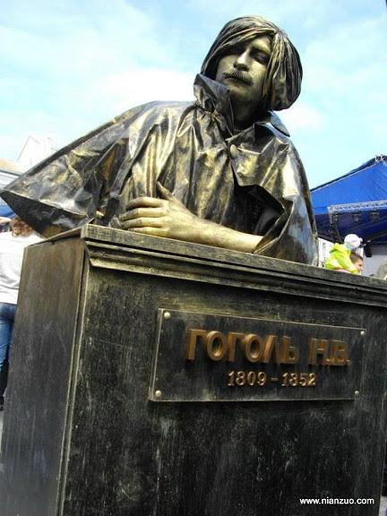 活雕塑大赛 墓碑,墓碑