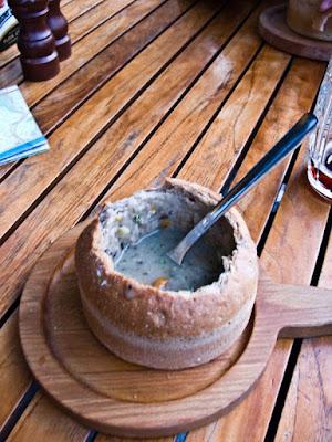 Зупа в хлібі