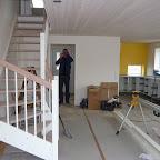 Vores køkken-alrum-trappeopgang og stue