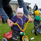 Silje fandt en lille trehjulet cykel, nøøøj den var sjov