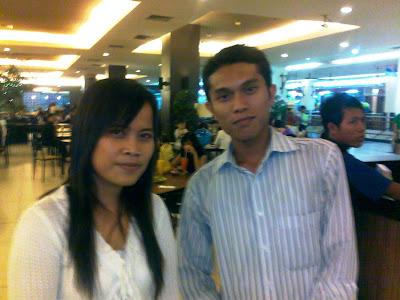 Tamu Blogger Bertuah Pekanbaru, Elpa foto  bersama Hendrawan