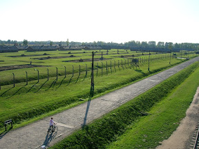 170 - Auschwitz II - Birkenau, desde la torre de la entrada.JPG