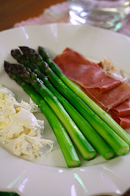 Asparagus Spears with Burrata & Prosciutto - Feed Me Phoebe