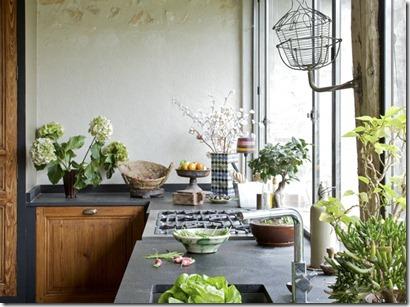 3-Plan-de-travail-de-la-cuisine-d-une-maison-de-campagne-d-inspiration-contemporaine_carrousel_gallery_xl