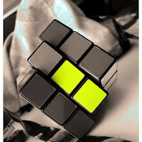 yellow_rubiks_by_mistahFU.jpg