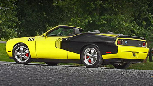 Violent Dodge Challenger has received well-known motor Hemi 426
