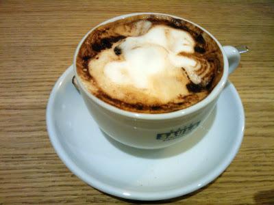 Cappuccino en el Born 8