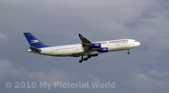 Aerolineas-Argentinas-Airbus-A340-211-LV-ZPJ