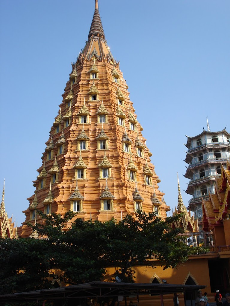 Wat Tham Seua Kanchanaburi2 30nov07.JPG