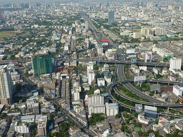 uitzicht vanaf baiyoke sky tower2.jpg