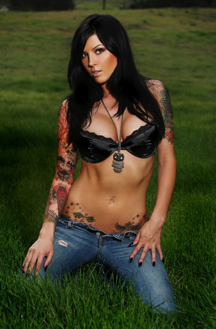 tattooed women11