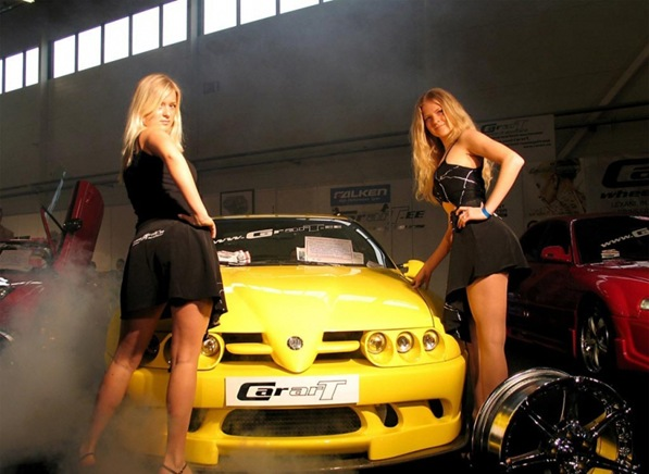 Hot_Cars_With_Hot_women_00031