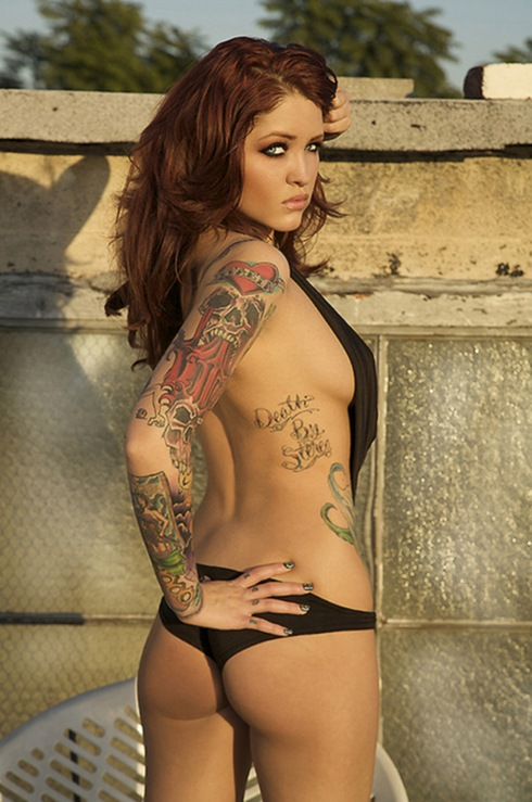 beautiful_women_with_tattoos_18