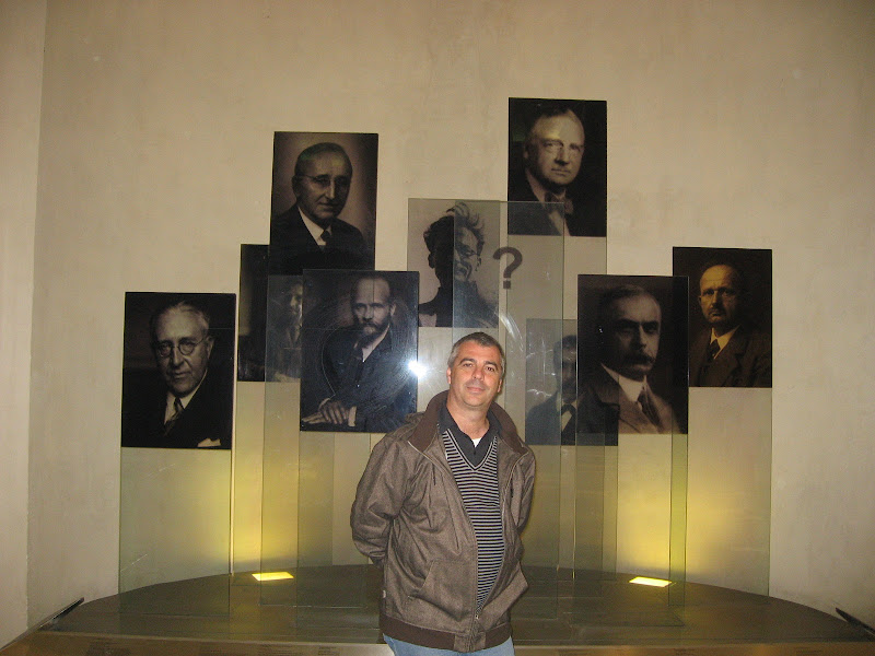 Hall amb els premis Nobels d'aquesta Universitat