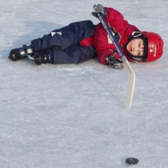 Joel falls during hockey (his third time on ice)