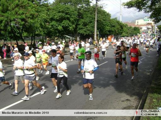media maraton de medellin 2011