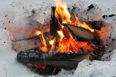 campfire-snow-01