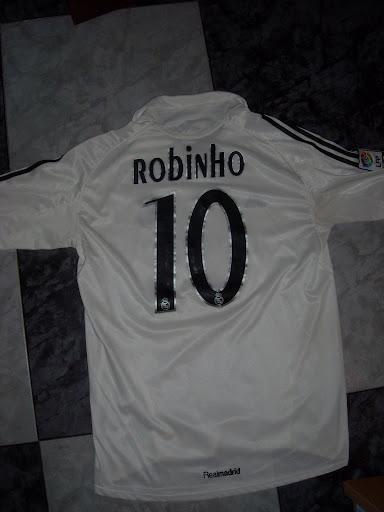 [Imagen: Trasera+1%C2%BA+Real+Madrid+05-06+Robinho.JPG]