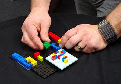 Brick Construction Shirt - Camisa personalizada Lego - Detalhe