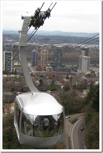Portland Aerial Tram rising toward OHSU
