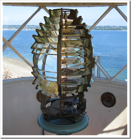 Point Robinson Lighthouse: Fresnel lens