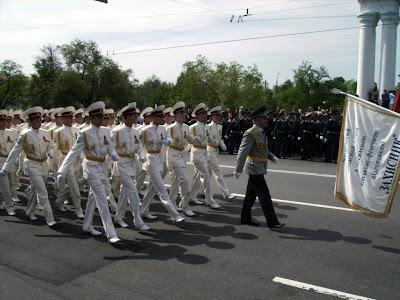 Парад в честь Дня победы в Запорожье 2010 - перейти в альбом