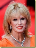 """ Le Petit Journal Quotidien "" Maria21 - Page 3 JoannaLUMLEY_thumb3"