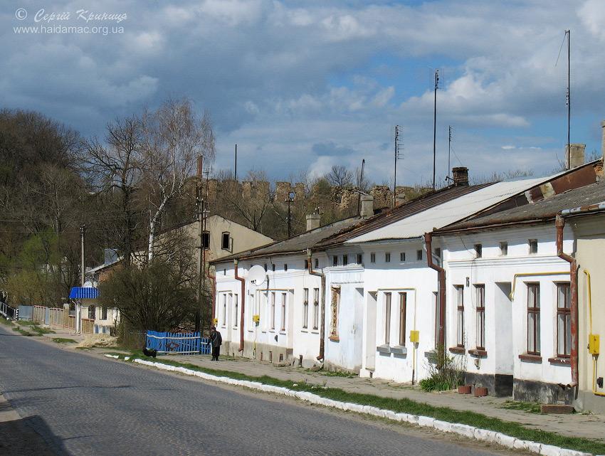 центр Микулинців