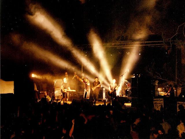 Actuaci&oacute; del grup basc <b>Betagarri</b> en la sisena edici&oacute; del concert Xapulina Roc. Edici&oacute; realitzada al Pla de Sant Joan.
