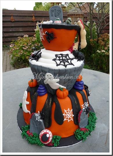 halloween taart deel 7 009