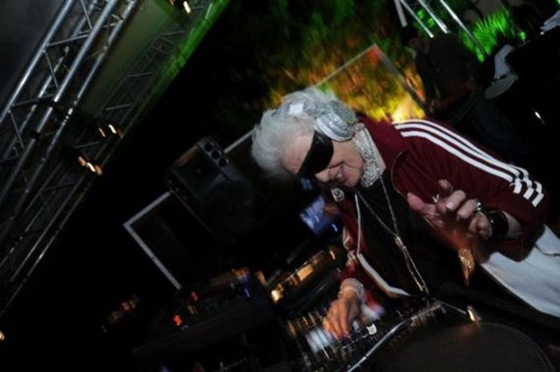 Ruth Flowers - The Oldest Dj in the World 04