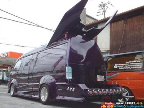 Strange Japanese Custom Vans 16